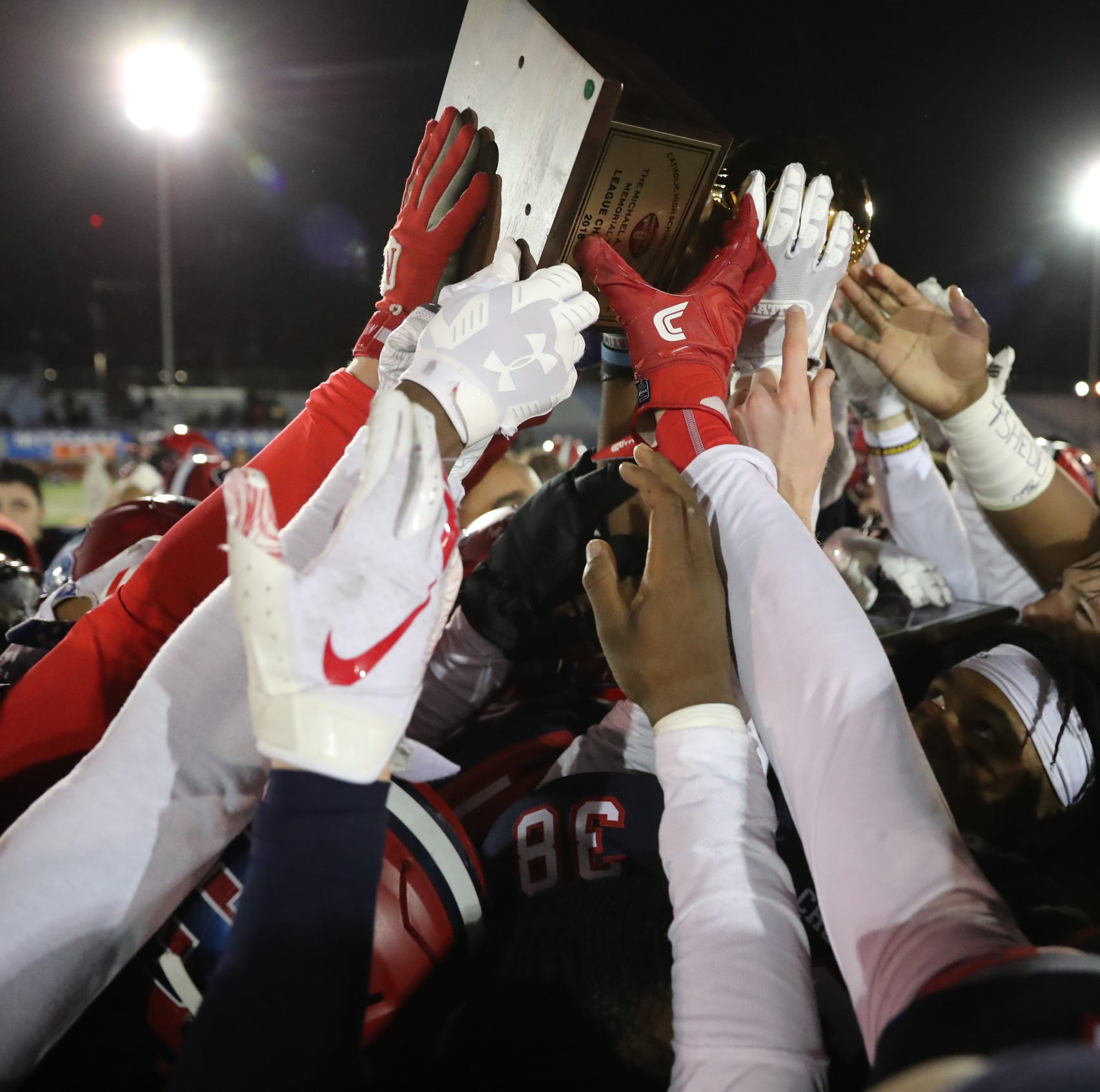 Football: Stepinac comes back to beat Hayes and keep grip on CHSFL title