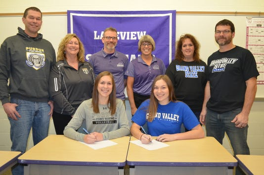 Lakeview's Schiller, Kucharczyk sign to play college volleyball