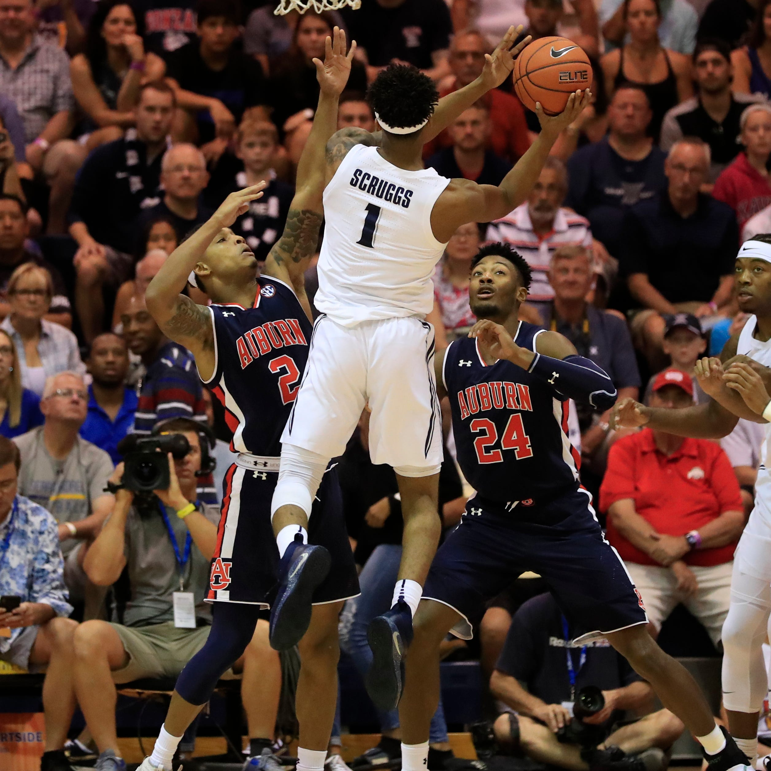 Live updates: Auburn leads Xavier in a close game at halftime in Maui