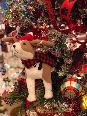 Whatever makes your heart happy, whether it's your pets or something else altogether, find a way to celebrate it this year in your holiday decor. (Mary Carol Garrity)