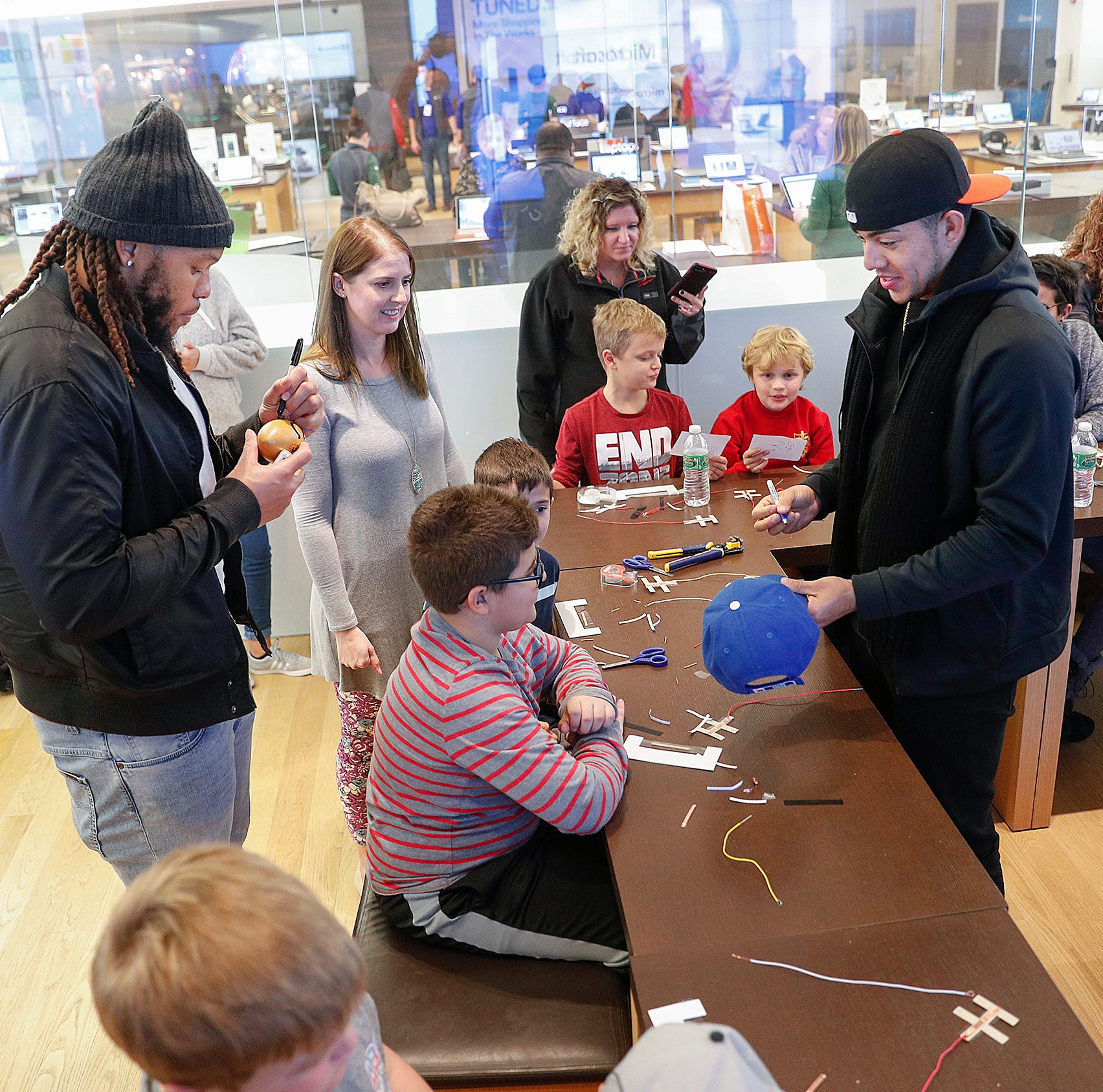 Colts Jabaal Sheard, Rigo Sanchez randomly meet at mall and something tremendous happens