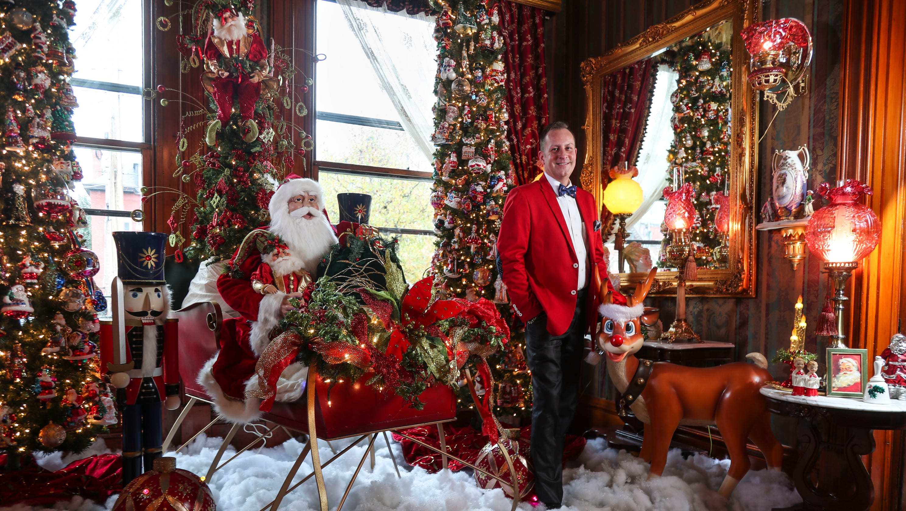 old louisville home is like a christmas wonderland