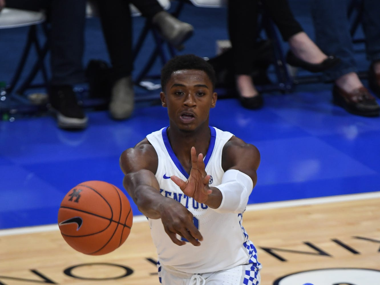 UK G Ashton Hagans passes the ball during the University of Kentucky mens basketball game against VMI at Rupp Arena in Lexington, Kentucky on Sunday, November 18, 2018.