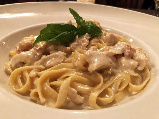 Fettuccine alfredo con pollo from Ristorante Limoncello, North Naples.
