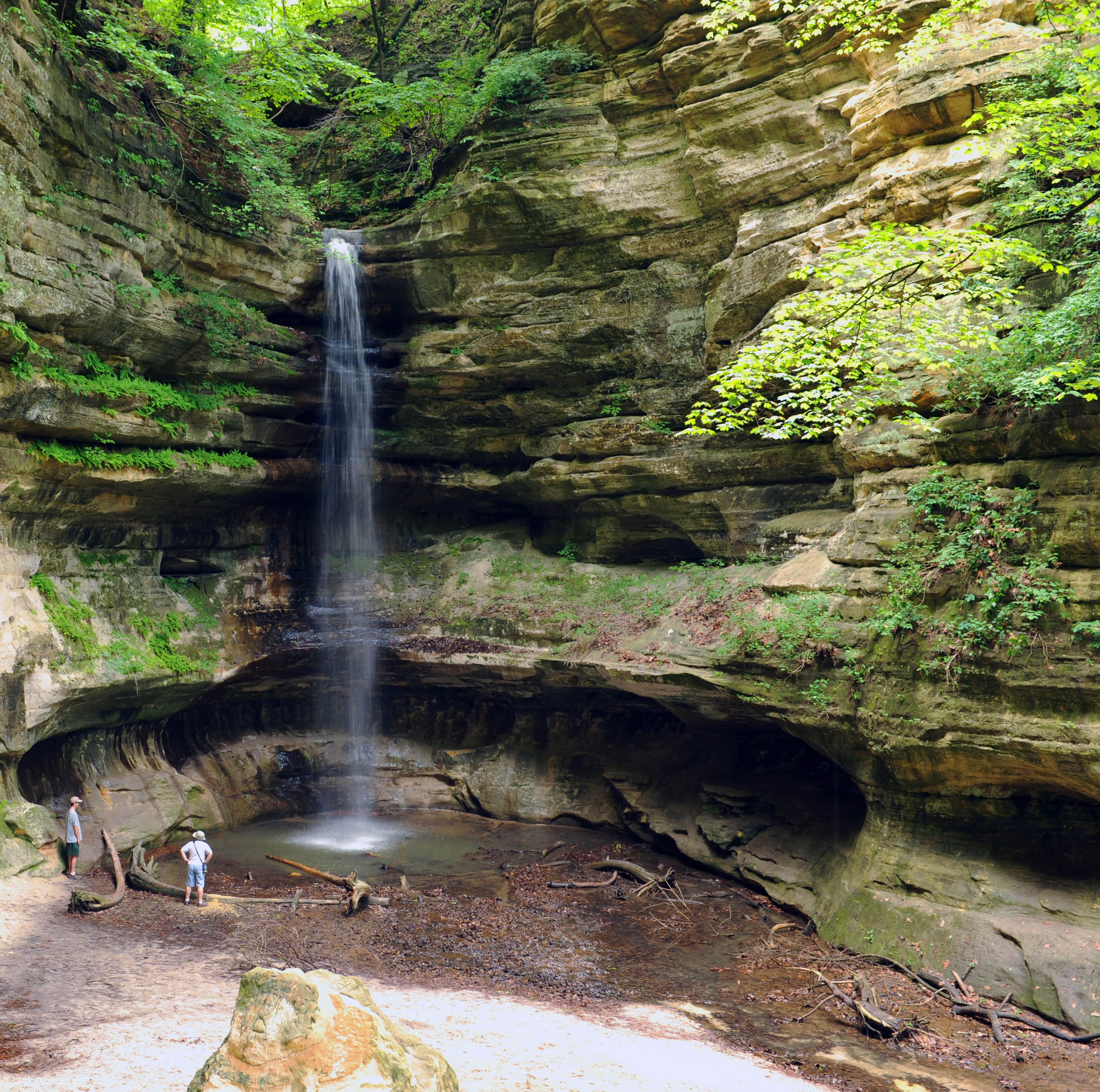Waterfalls, canyons and unexpected beauty at Starved Rock and Matthiessen state parks