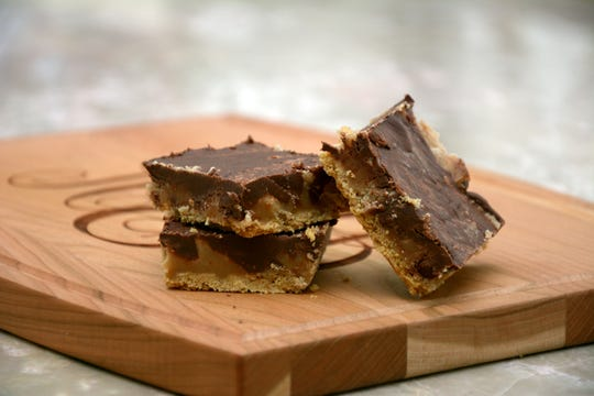 These toffee bars couldn't be easier.