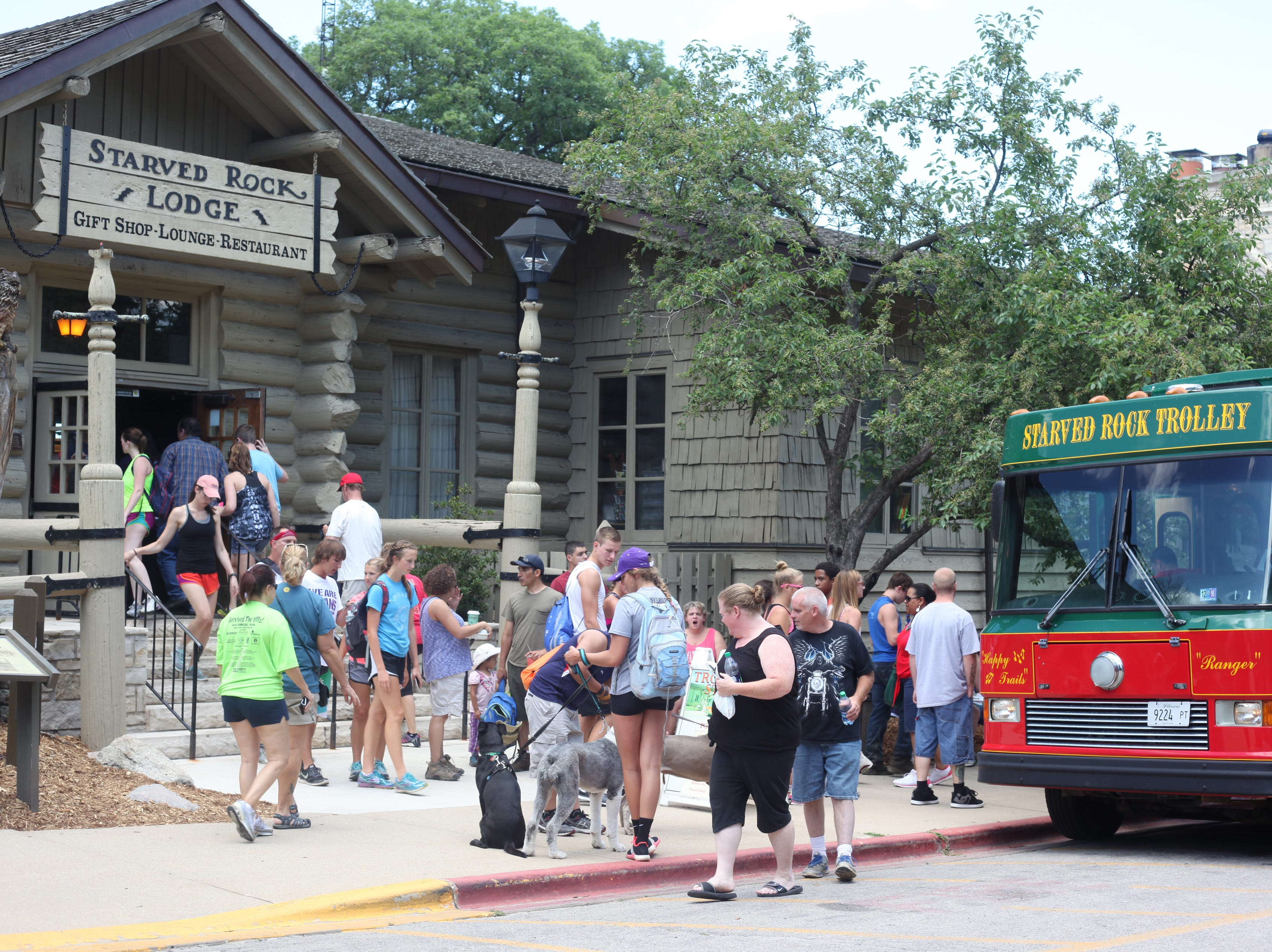 Trolley tours are offered out of the Starved Rock Lodge & Conference Center in Starved Rock State Park outside Utica, Illinois.