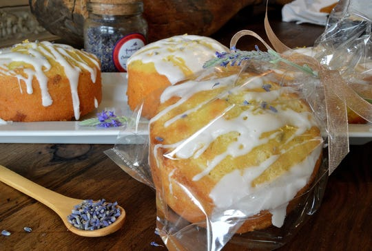 Dried lavender buds lend a lovely flavor to this individual poundcakes.