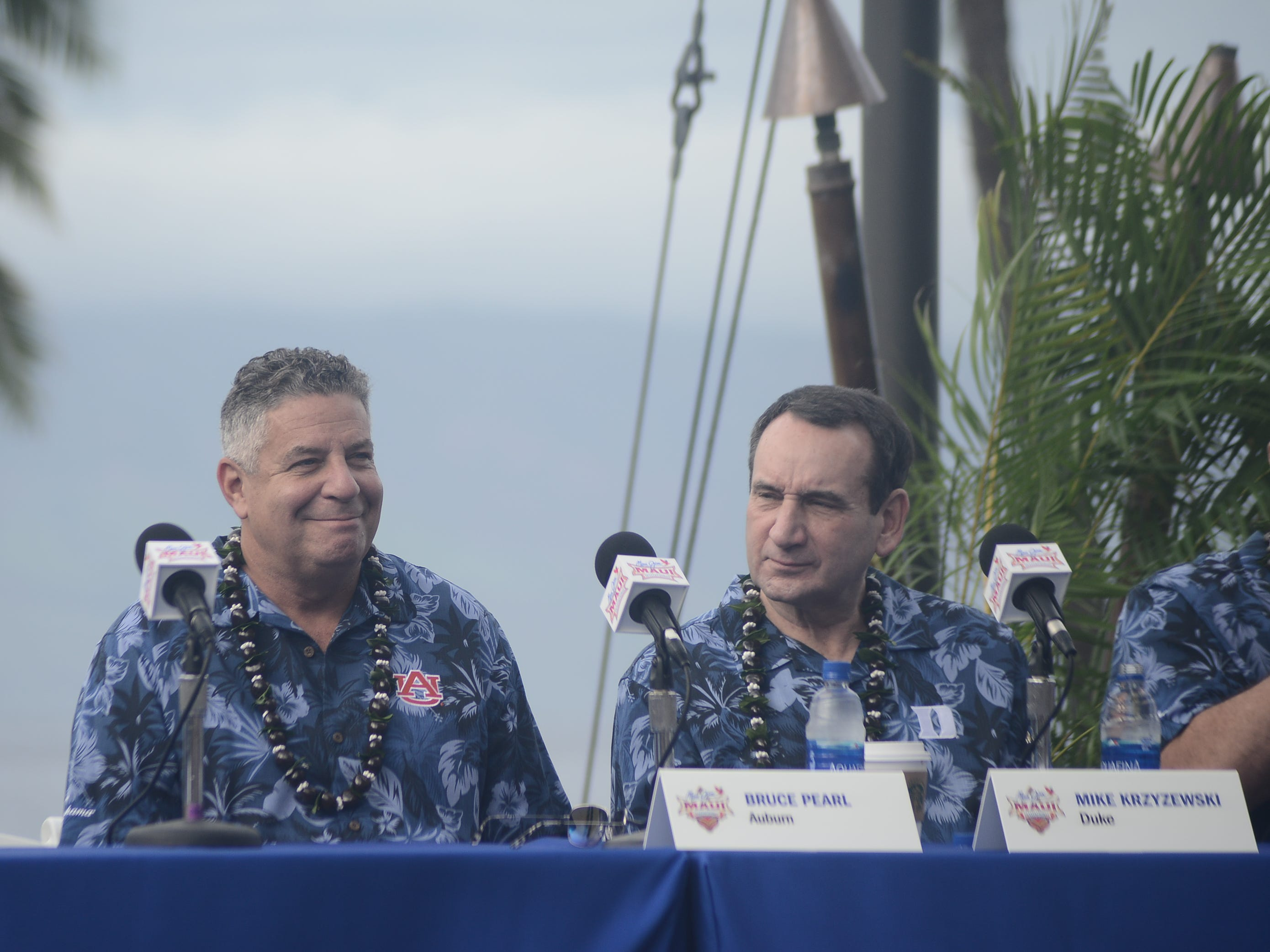 Auburn coach Bruce Pearl (left) and Duke coach Mike Krzyzewski during a press conference before the Maui Invitational in Hawaii.