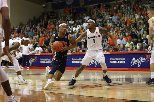 Auburn guard Bryce Brown drives to the basket against Xavier during the Maui Invitational on Nov. 19, 2018.