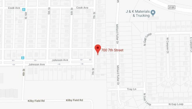 Police found a man with a serious gunshot wound in the 700 block of Seventh Street.