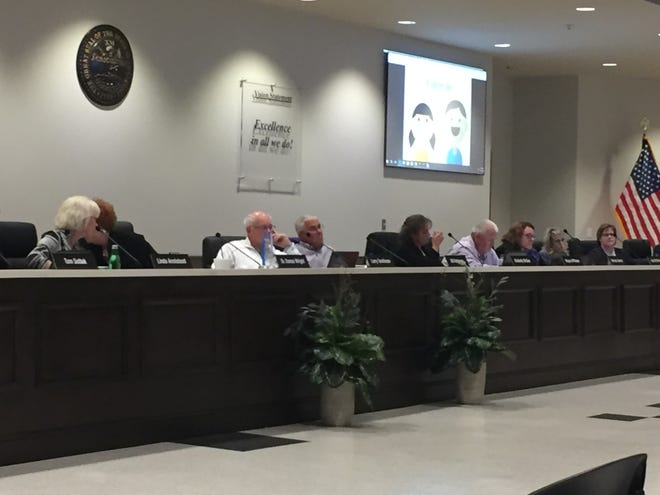 The Wilson County School Board approved a change to its calendar by reducing its traditional two-week fall break to one week with a full week off at Thanksgiving.