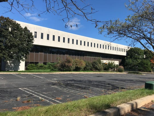 Plans are underway for the former Intel and Dialogic headquarters on Route 10 in Parsippany to be replaced by a residential and retail complex with 441 apartments, 100,000 square feet of retail and a shared outdoor space