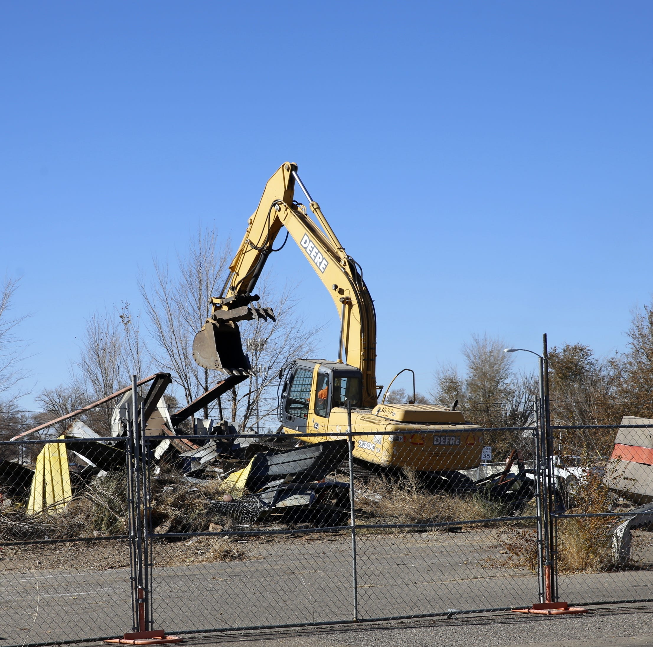Farmington demolishes old gas station, plans for transformation