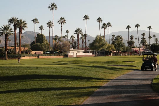 The 18th hole of Shadow Mountain Golf Clubs in Palm Desert is lined with homes whose owners want to keep the club green and not sell to developers who might put condominiums on the land.