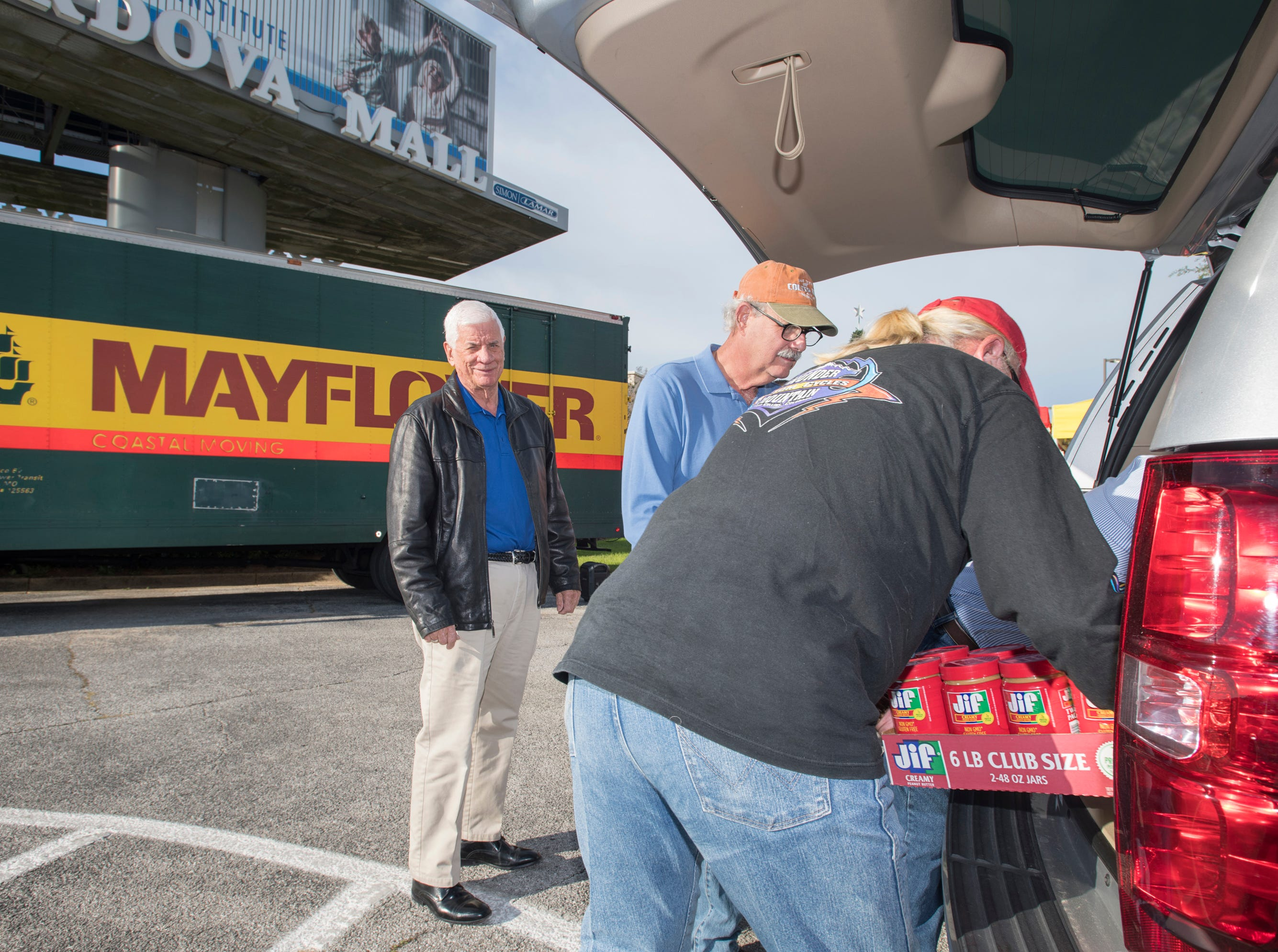 Pensacola's Manna Food Pantry collects donations during annual Fill the Mayflower drive