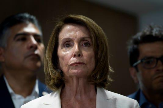Congresistas Estadounidenses Visitan Centros De Detenci N De Inmigrantes
