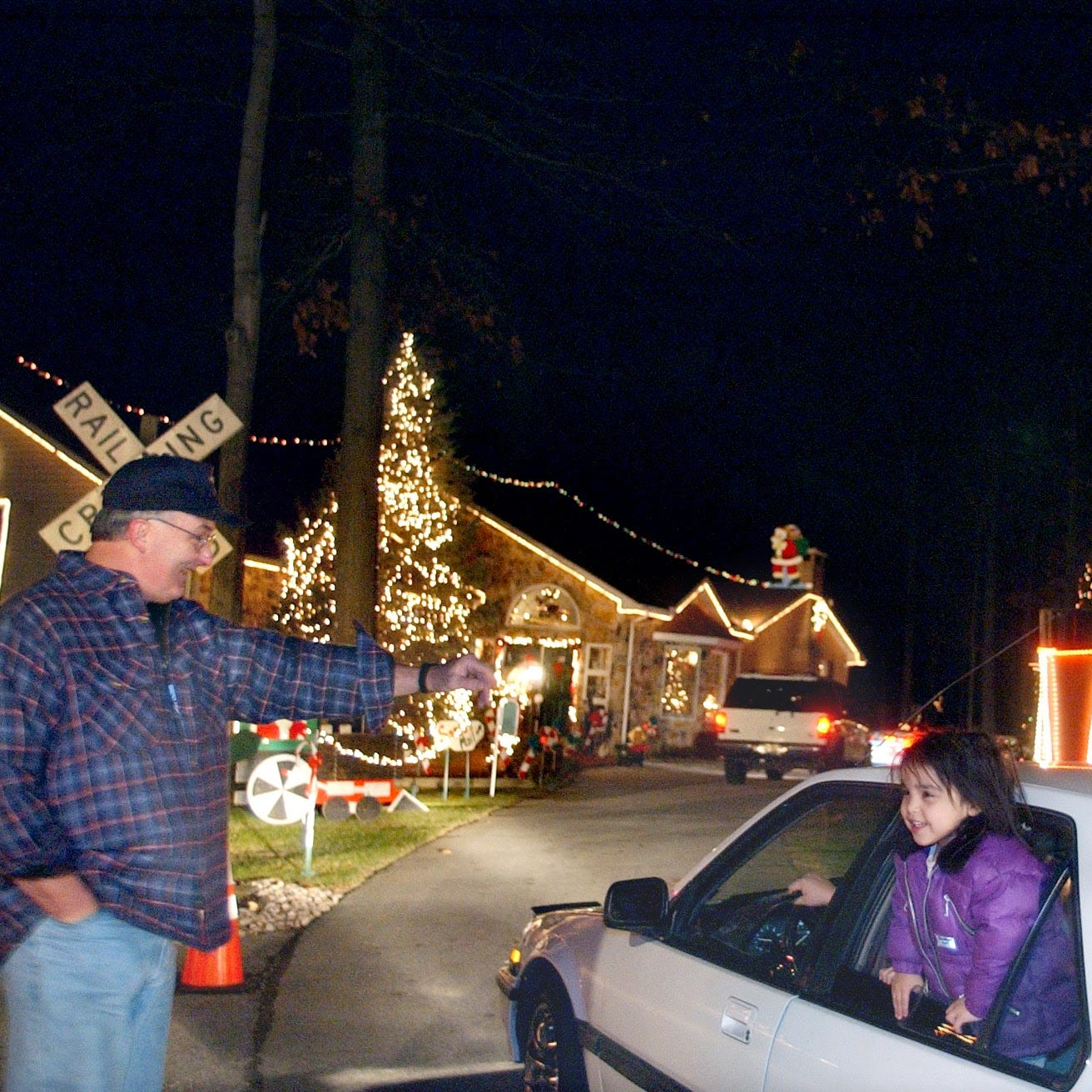 Retired police officer's Christmas lights display - a York County tradition - is ending