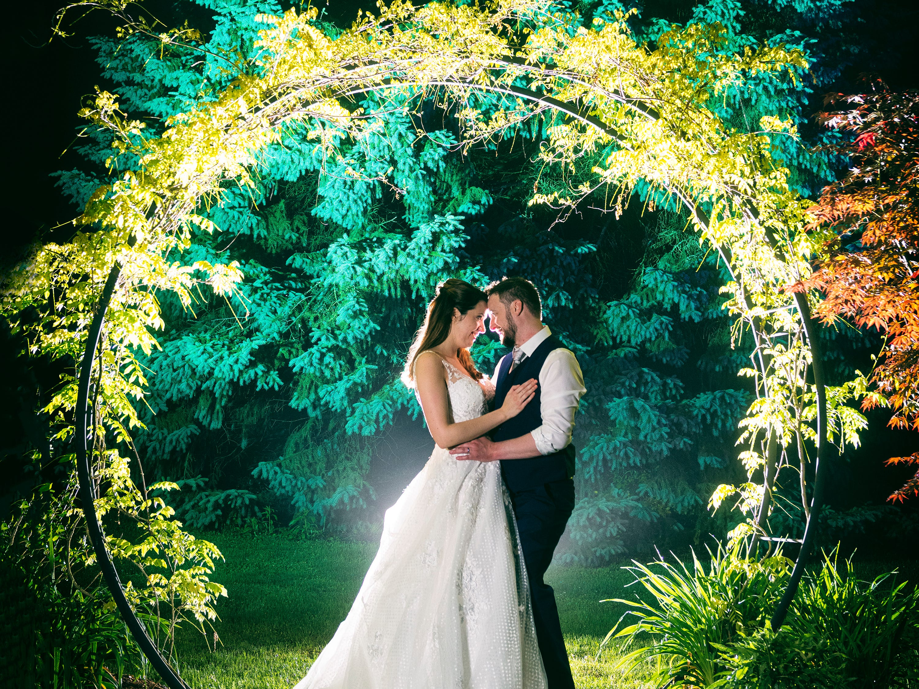 Spectacular night shots develop as Delaware wedding photographers combine skills