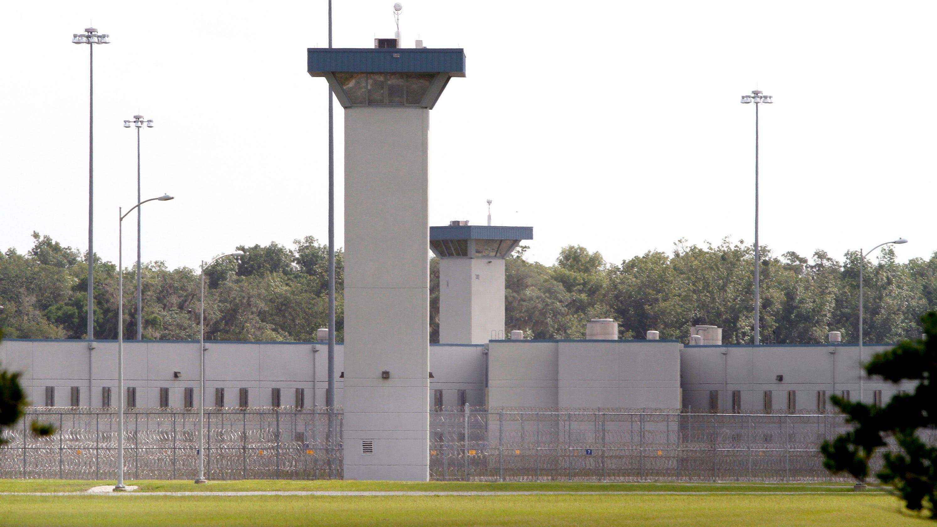 Federal inmates get Cornish hens, steak during gov't shutdown