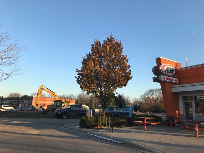 What's the construction near A&W in Neenah? A new car wash.