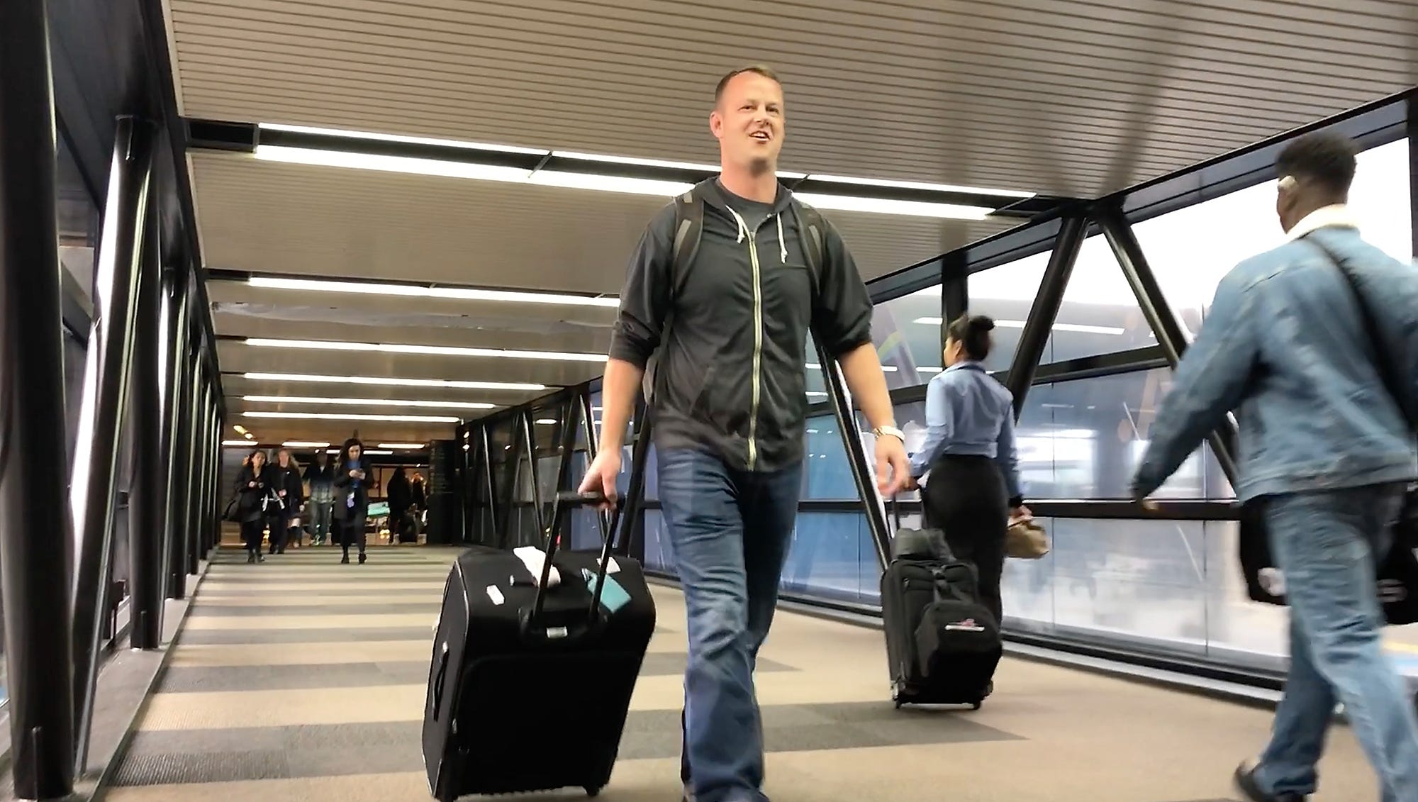 How to get to Seattle-Tacoma International Airport from Kitsap County