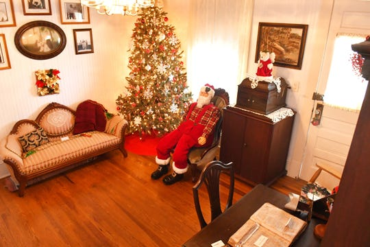 The Grant Historical House, also known as the Bensen House, was built in 1916. They are having a fundraiser for the Christmas holiday season, selling a large selection of ornaments and other items, many of them seen in these photos.