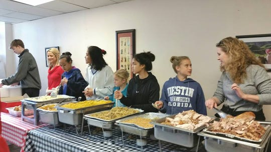 Le's Pho and Sandwiches will host its third annual free Thanksgiving dinner for those in need this year.