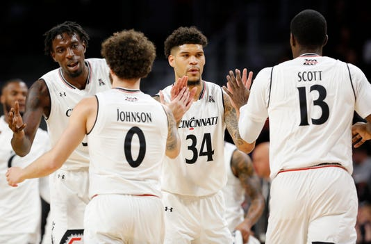 Western Michigan Broncos At Cincinnati Bearcats Basketball