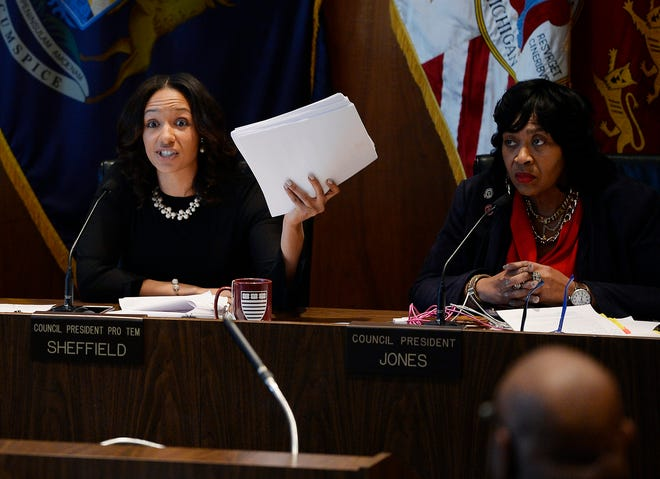 Council President ProTem Mary Sheffield, left, expresses her feelings about her proposed tax break law for the residents of Detroit during this morning session on Nov. 20, 2018.