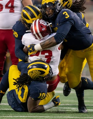 Rashan Gary and the Michigan Wolverines conclude their regular season on Saturday at Ohio State.