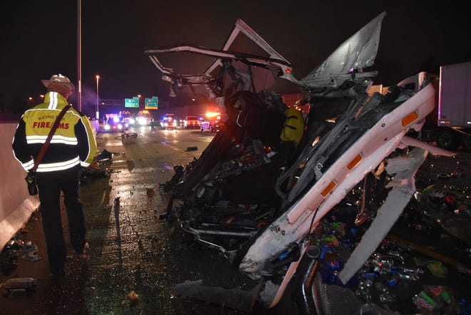 The Indiana State Police investigated two serious crashes Monday night in the same stretch of I-465 South.
