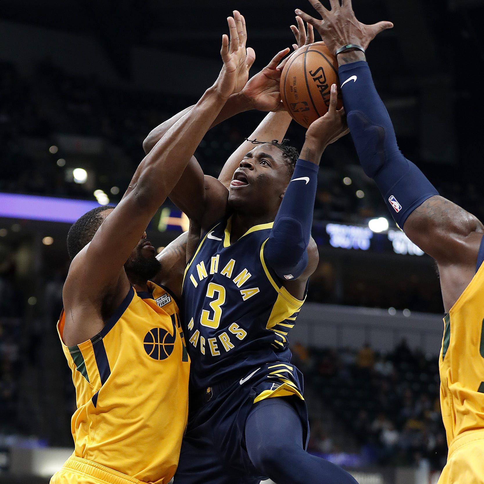 Aaron Holiday slam brings down the house in another career night for Pacers