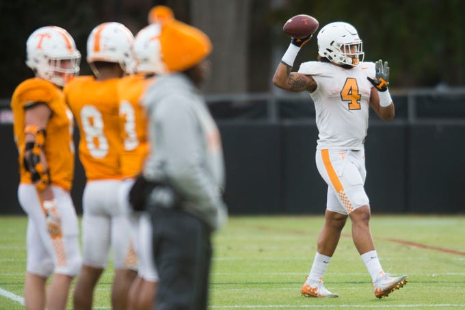 Tennessee players participate in a drill at University of Tennessee football practice Tuesday, Nov. 20, 2018.