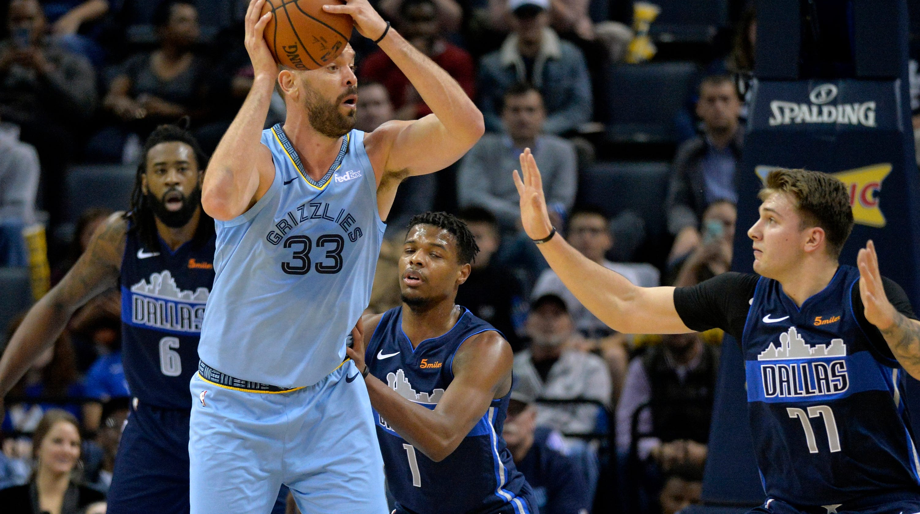 Conley Leads Grizzlies Past Mavs. Dallas Mavericks logo