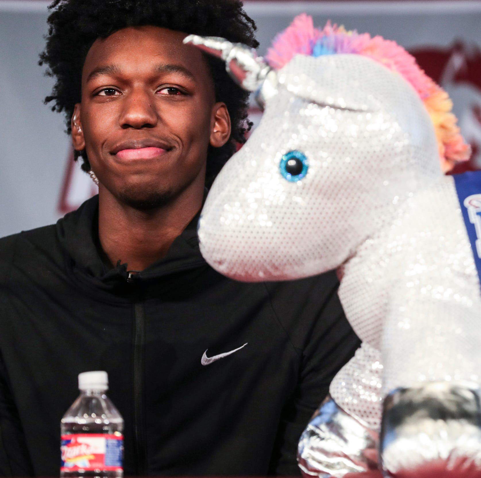 James Wiseman commits to Memphis