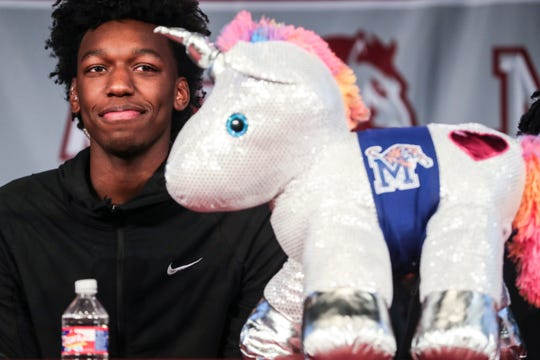 November 20 2018 - James Wiseman, the No. 1 college basketball recruit in the country, smiles after committing to Memphis. The 7-foot East center averaged 17 points and nine rebounds a year ago in helping lead the Mustangs to a Class AAA state championship.