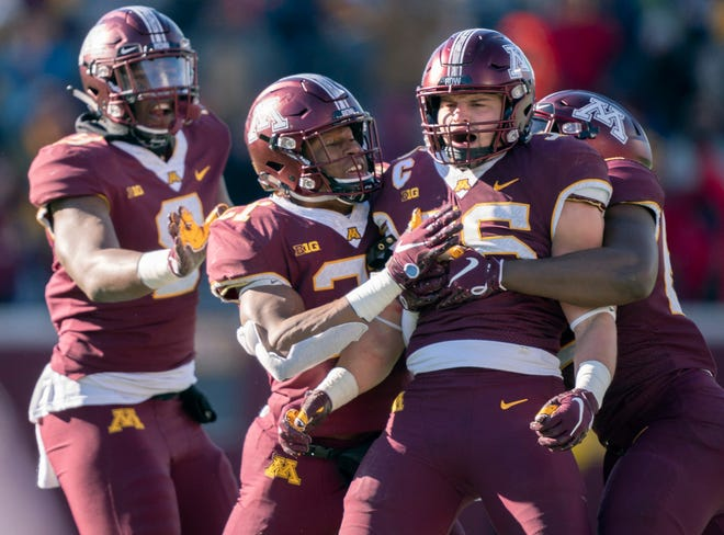 Senior linebacker Blake Cashman is one of the players to watch on Minnesota's defense. He had 20 tackles against Northwestern.