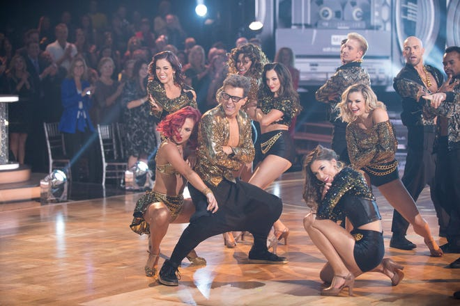 "DANCING WITH THE STARS - ""Finale"" - After weeks of stunning competitive dancing, the final four couples advance to the season finale of ""Dancing with the Stars,"" live, MONDAY, NOV. 19 (8:00-10:00 p.m. EST), on The ABC Television Network. (ABC/Eric McCandless)