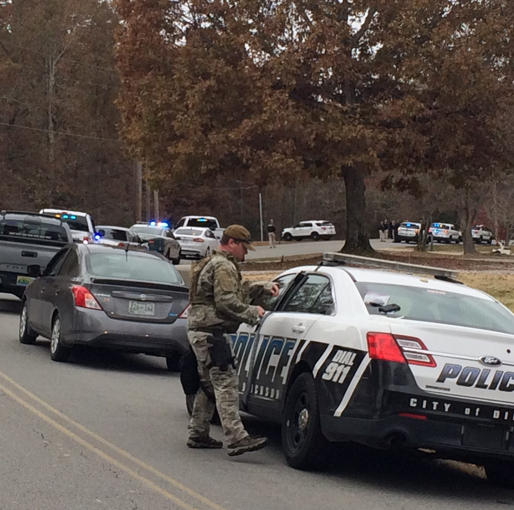 Dickson SWAT teams respond to possible home barricade