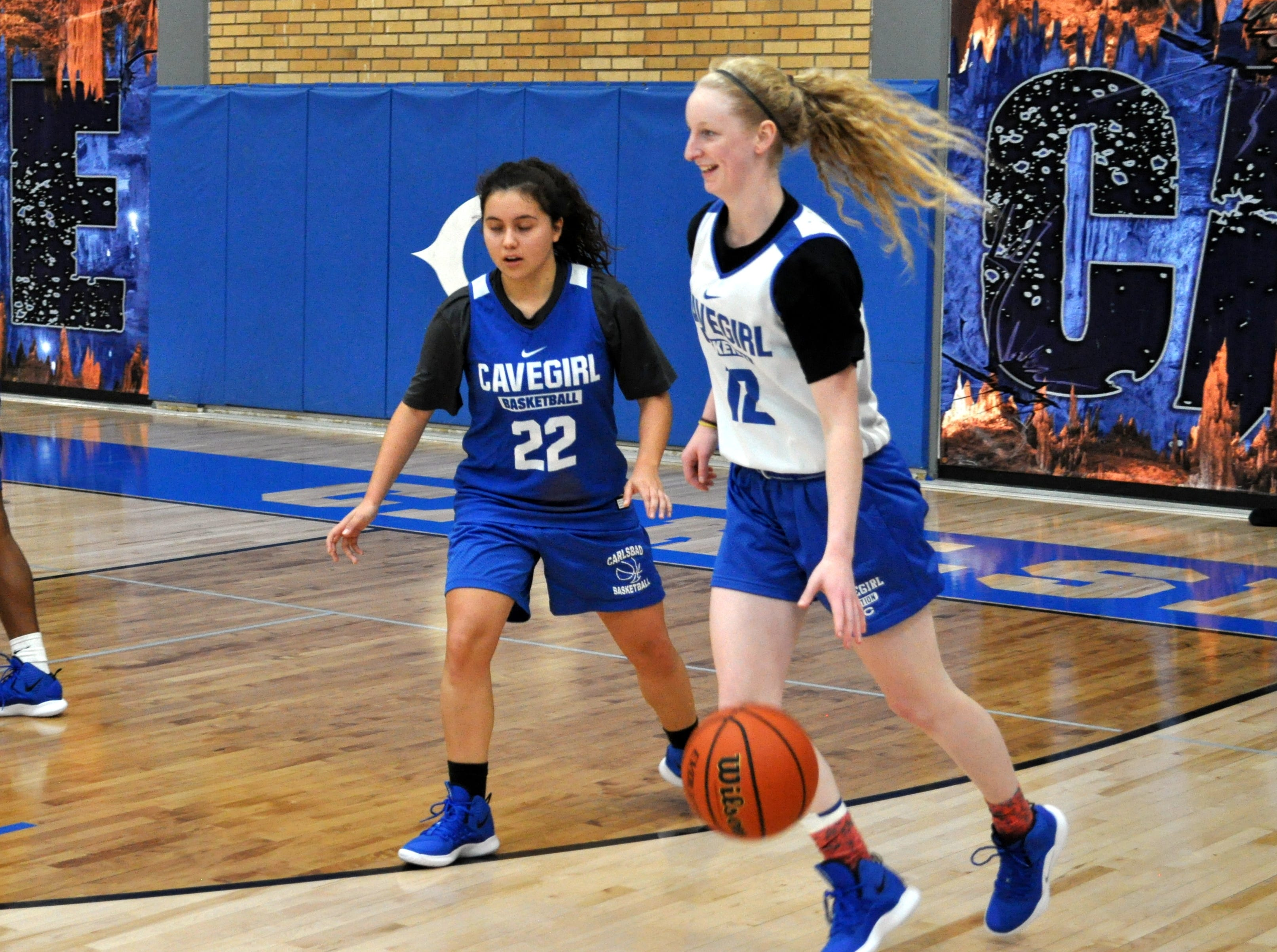 Carlsbad senior Carsyn Boswell looks to pass during Tuesday's practice. Carlsbad opens its season on the road Tuesday against Lovington.