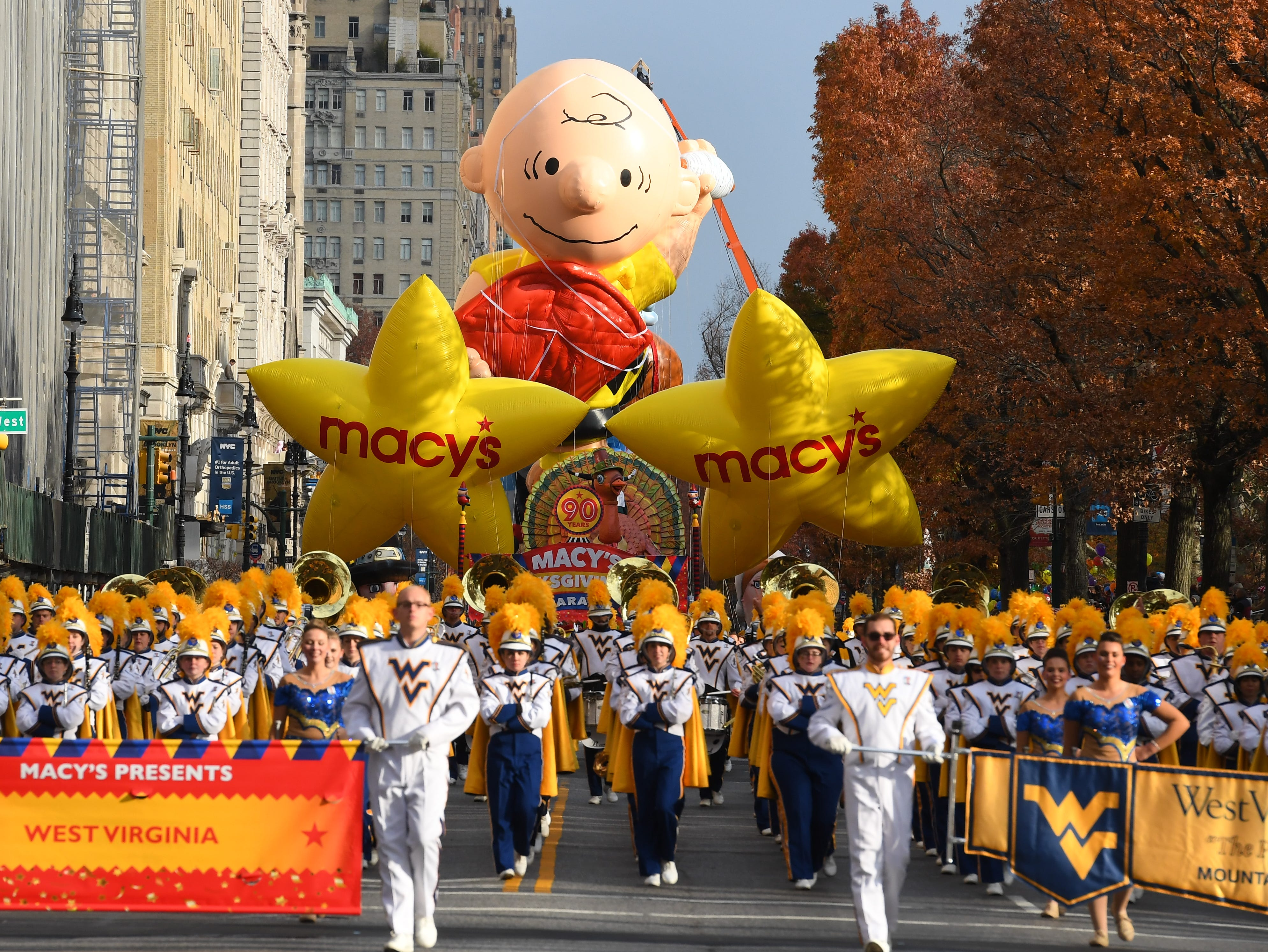 11/24/16 9:10:29 AM -- NY , NY, U.S.A  --The turkey leads off the parade at the Macy's Thanksgiving Day Parade on Central Park West in New York City.