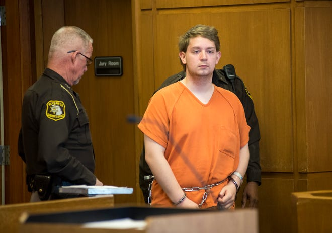 Thomas Maxwell enters Judge John D. Monaghan's courtroom for a hearing Nov. 20, 2018 in the St. Clair County Courthouse. Maxwell, 17, is accused of allegedly making threats against his school.