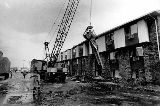 View of west side of Greece Holiday Inn. The crane was bringing out debris. (Peter Weinberger photo, 11/26/1978)