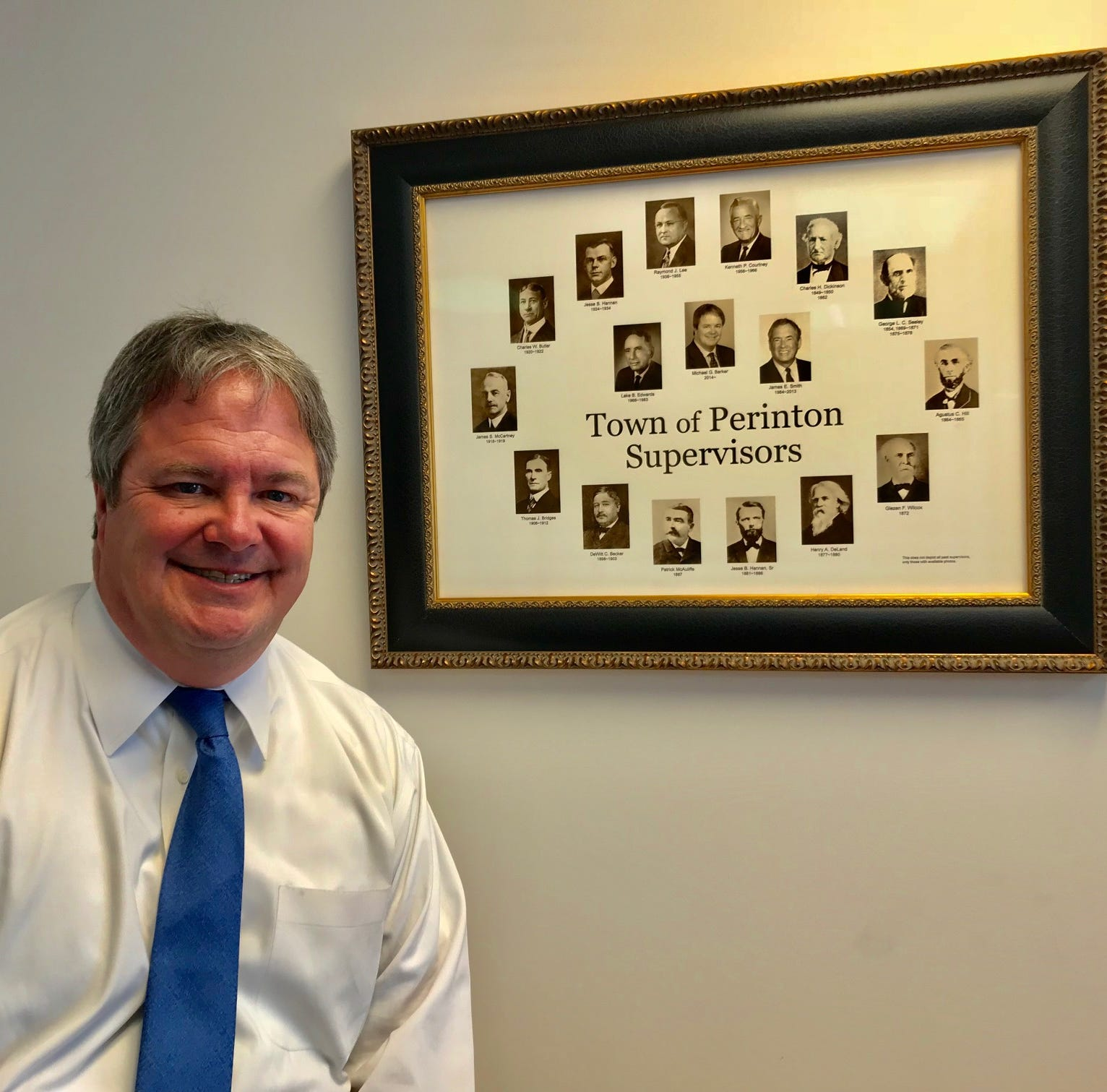 Perinton Supervisor Mike Barker to step down Saturday