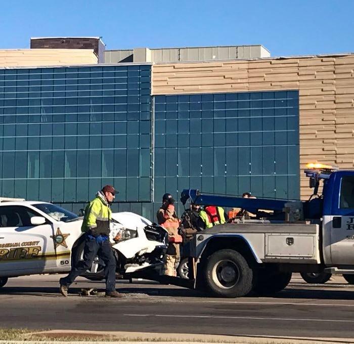 Minnehaha County sheriff's deputy injured in crash