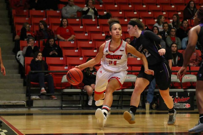 Junior forward Hailey Diestelkamp is averaging 23.8 points and 11 rebounds for the Lady Panthers (4-0).