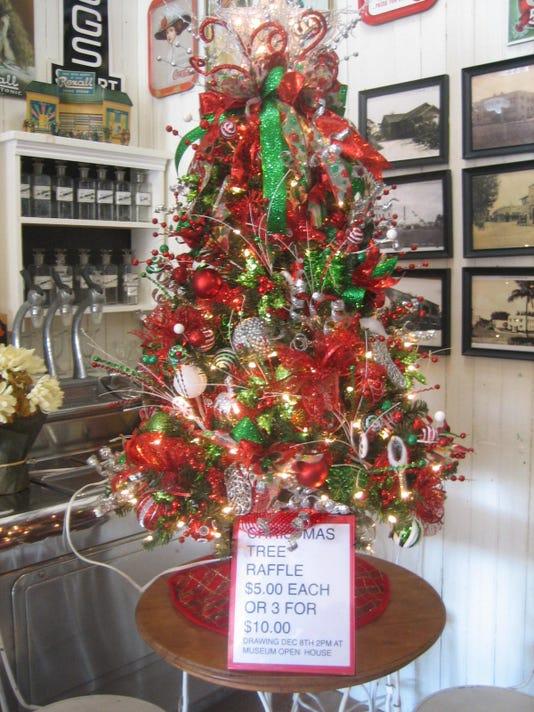 1128 Ynmc Stuart Museum Raffle Christmas Tree2018