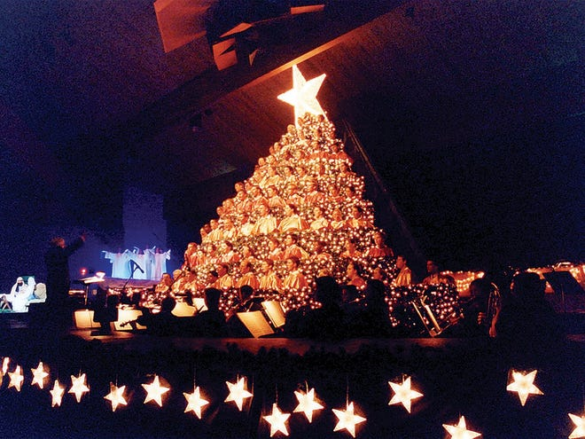 Hobe Sound Ministries will present the 22nd Annual Singing Christmas Tree at 7 p.m. each evening, Thursday, Nov 29 to Sunday, Dec. 2.
