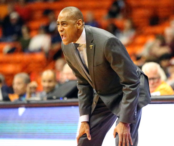 UTEP head basketball coach Rodney Terry yells instructions to his players as the score got close in a recent game.